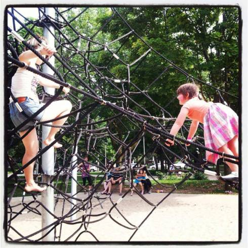 We spent Canada Day with Eden, Michael and their daughter Isadora. Iz and I climbed on the giant spiderweb at the park near our house!