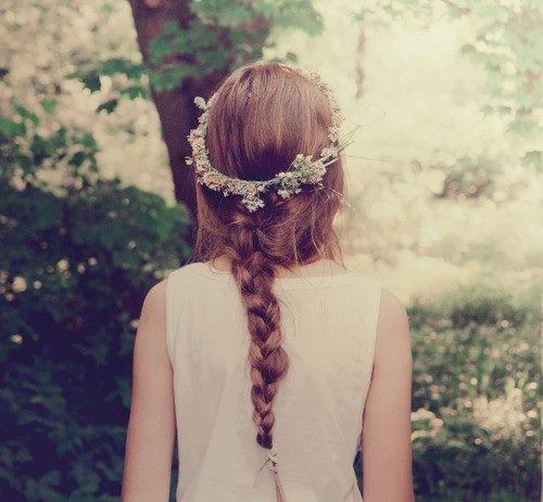 زرعتك قلبي زهرةً ربيعية تذبلُ